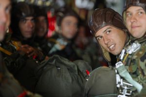 Bulgarian paratroopers